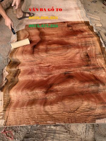 Mặt bàn gỗ lát tại Vinh