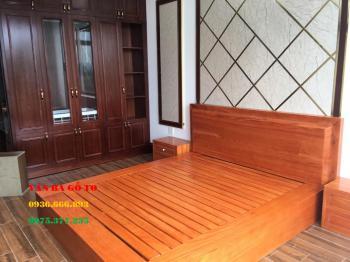 Giường gỗ nguyên khối tại Cà Mau