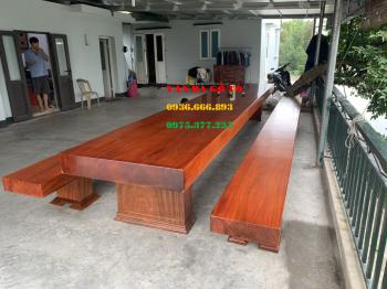 Bàn ăn gỗ nguyên khối tại Hà Nam