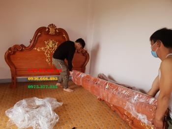 Giường ngủ dát vàng gỗ tự nhiên cao cấp