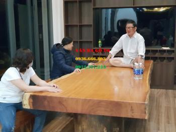 Bàn ăn gỗ tự nhiên tại Hưng Yên